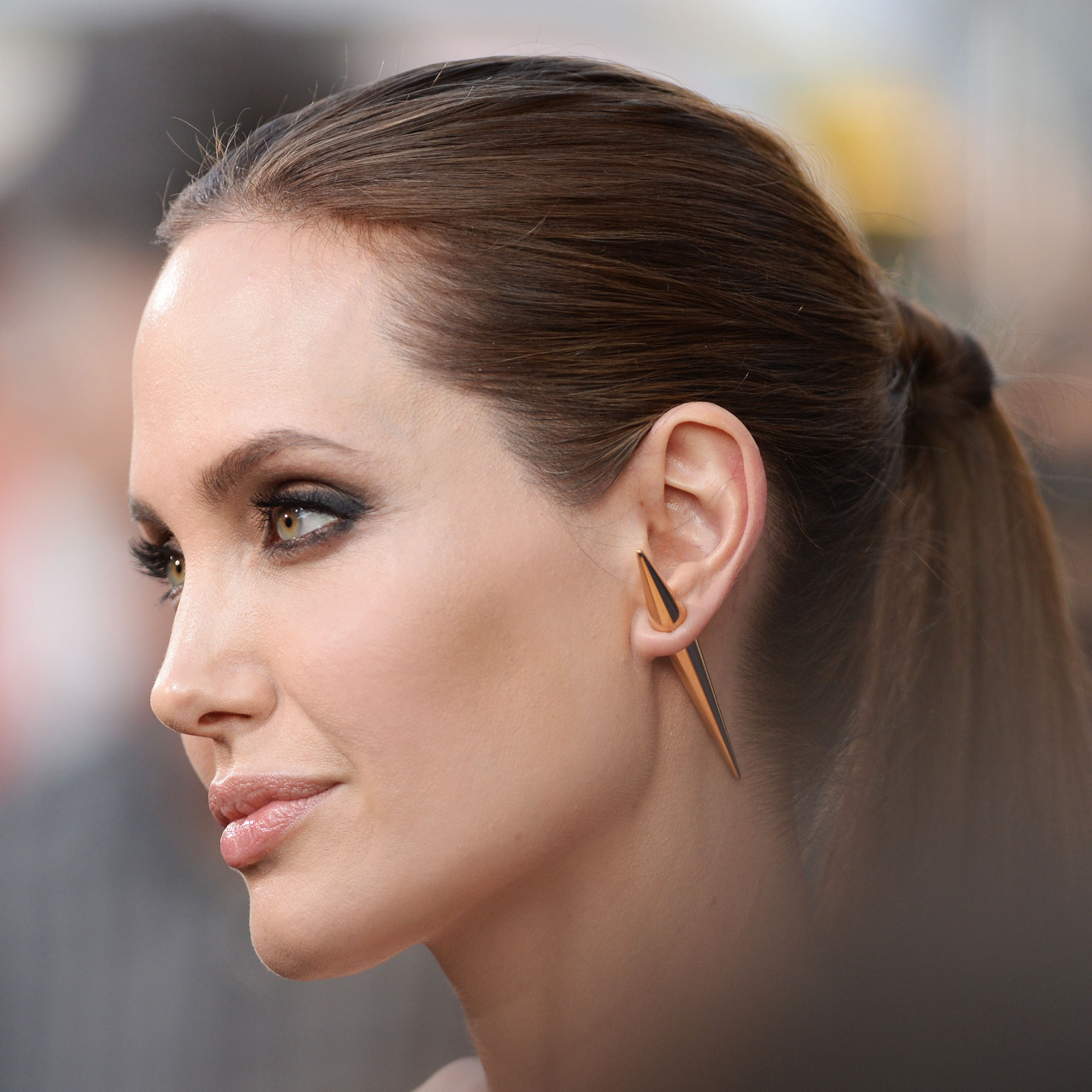 angelina_jolie_hd_image_wallpaper